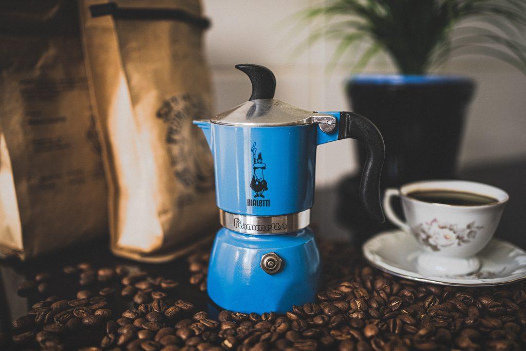 Niebieska kawiarka